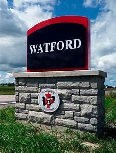 Au pair-t keresünk Watfordba (Anglia) – FIÚK IS jelentkezhetnek