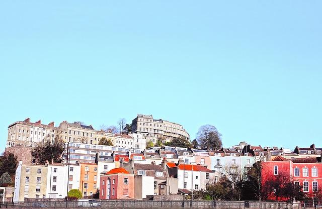 Au pair-t keresünk Bristol külvárosába